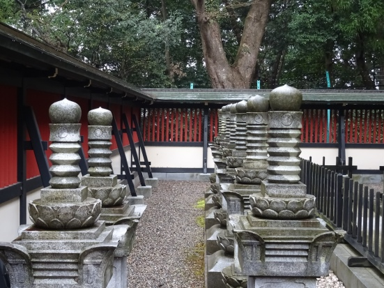 The stone pagodas dedicated to the vassalls who followed Date Masamune into death