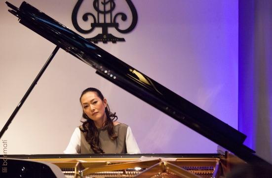 Ayako Fujiki pf 20154